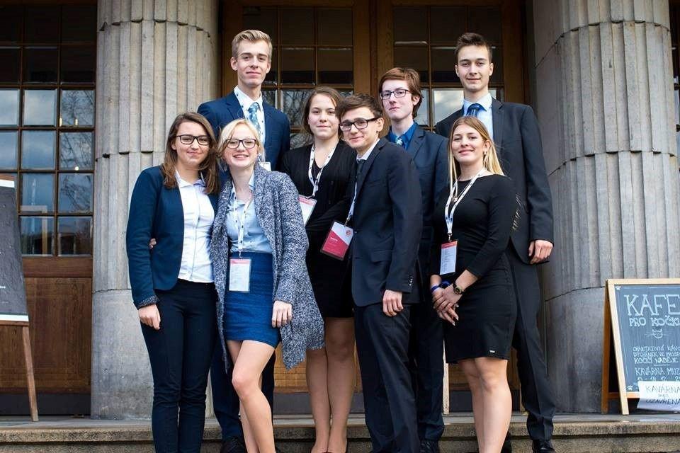 Studenti Gymnázia Kroměříž budou reprezentovat Českou republiku.